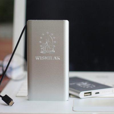 Powerbank untuk branding dengan cetak logo anda